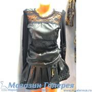 Откровенное женское платье